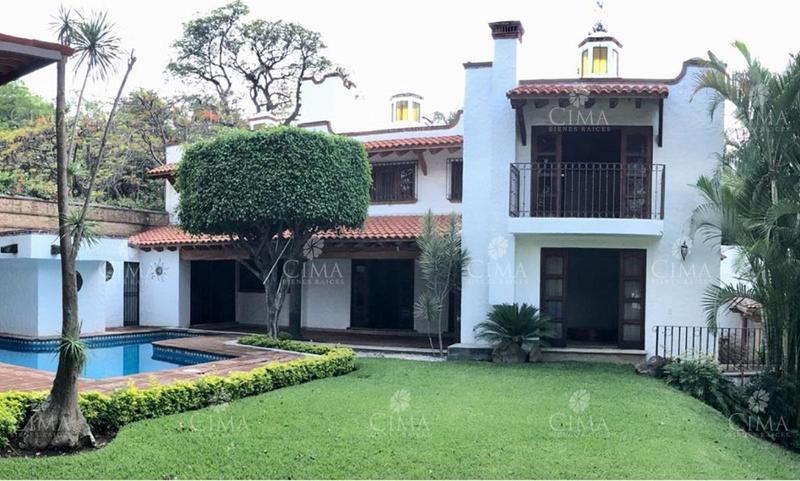 Foto Casa en Venta en  Delicias,  Cuernavaca  VENTA RESIDENCIA EN DELICIAS CUERNAVACA- V68