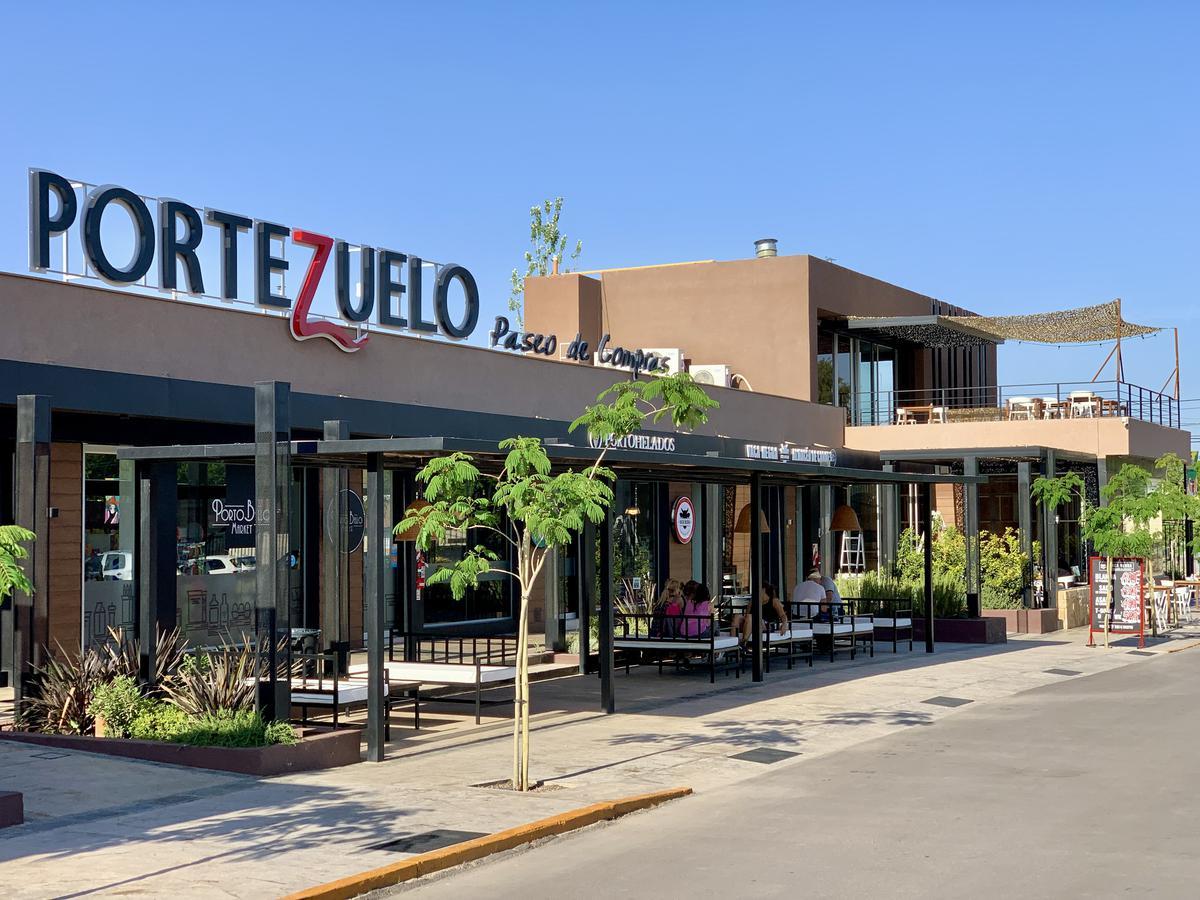 Foto Local en Alquiler en  Villa Nueva De Guaymallen,  Guaymallen  Paseo Comercial Portezuelo - Urquiza