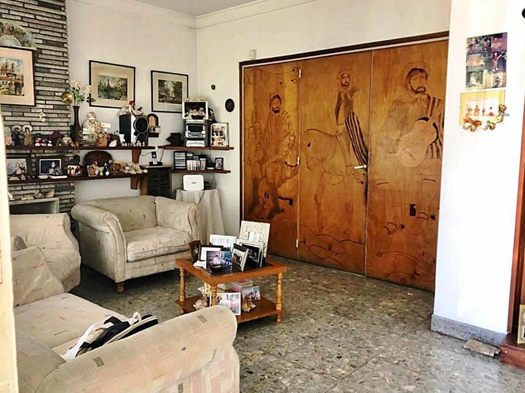 Foto Casa en Venta en  Carapachay,  Vicente López  Independencia al 2600