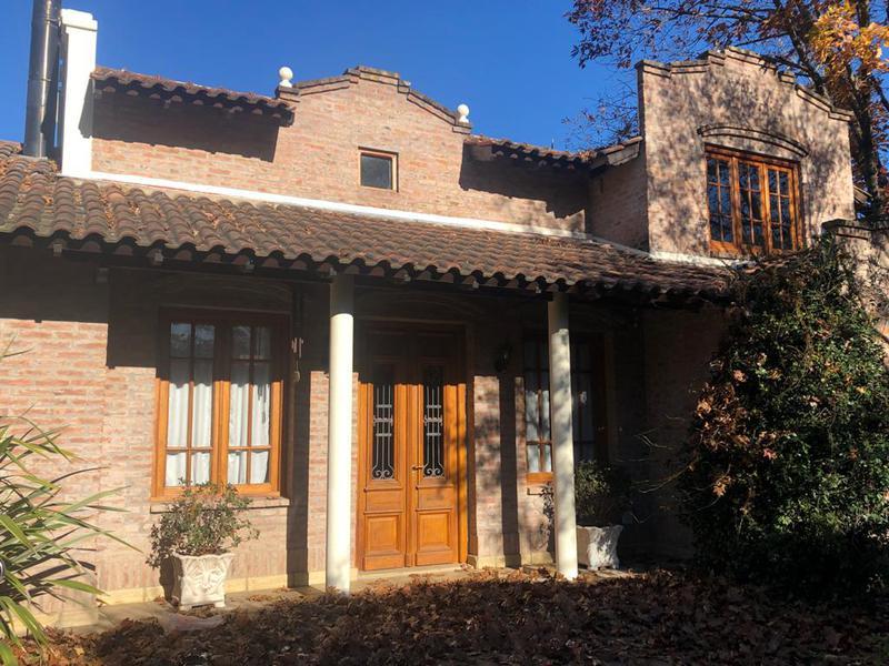 Foto Casa en Venta en  El Trébol,  La Union  Impecable casa en El Trébol