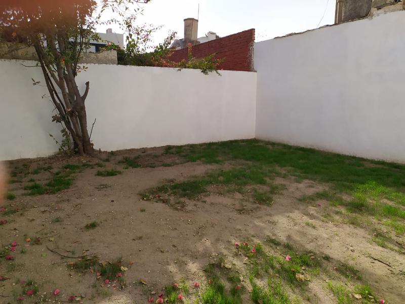 Foto Casa en Alquiler en  Alberdi,  Cordoba  Casa en alquiler de uso comercial/profesional en Alberdi a 100 mts de la Jefatura de Policía