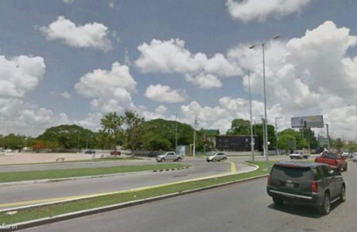 Foto Terreno en Venta en  Zona industrial Cordemex,  Mérida  INMEJORABLE TERRENO COMERCIAL  ENTRE VIA MONTEJO Y PLAZA GALERIAS MERIDA