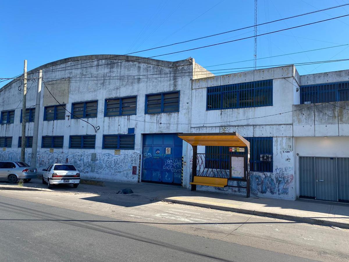 Foto Galpón en Alquiler en  San Miguel ,  G.B.A. Zona Norte  Av. Pres Umberto illia al 4300