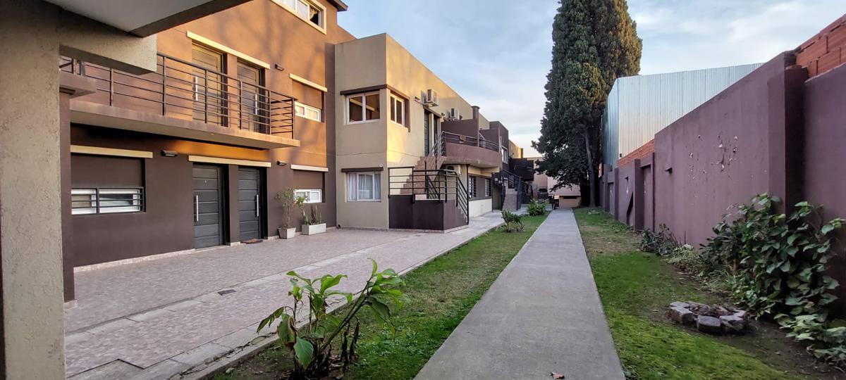 Foto Departamento en Venta en  Bella Vista,  San Miguel  Ruta 8 y Lebensohn