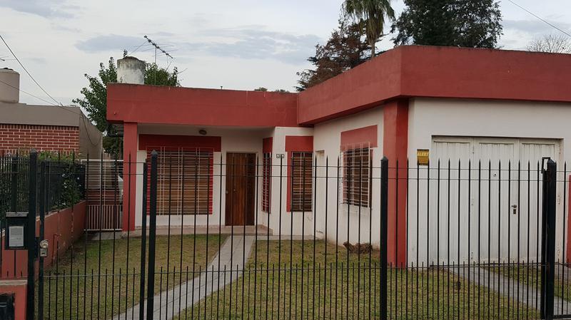 Foto Casa en Alquiler en  Adrogue,  Almirante Brown  URIBURU 1655, Entre Solis y Gorriti