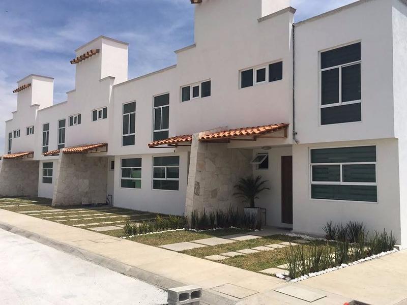 Foto Casa en condominio en Venta en  San Mateo Atenco Centro,  San Mateo Atenco  Casa nueva en venta, San Mateo Atenco