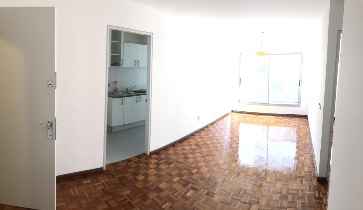 Foto Apartamento en Alquiler en  Pocitos ,  Montevideo  21 de Setiembre  y Berro - 1 dorm