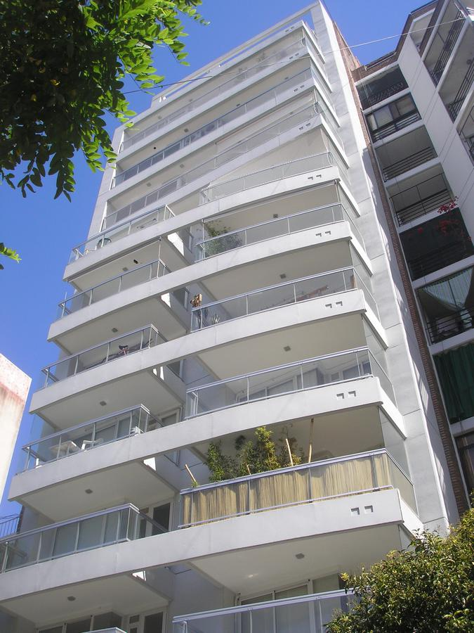 Piso exclusivo de Dorrego 34 | 3 dormitorios a metros del Río con cocheras, bauleras y pileta.