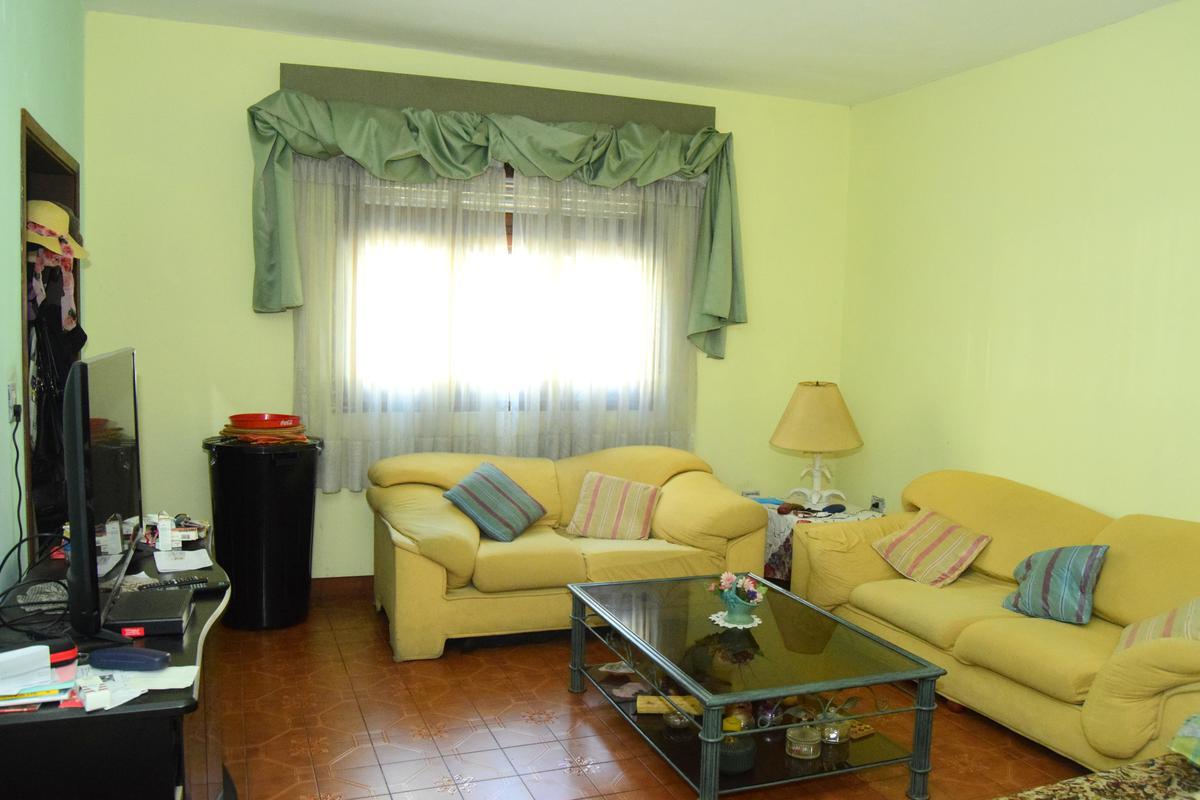 Foto PH en Venta |  en  Flores ,  Capital Federal  Quirno al 300