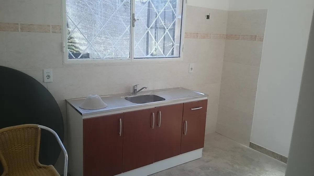 Foto Apartamento en Alquiler en  Maroñas, Curva ,  Montevideo  La Curva a 3 de 8 de Octubre - 3 dorm - estufa