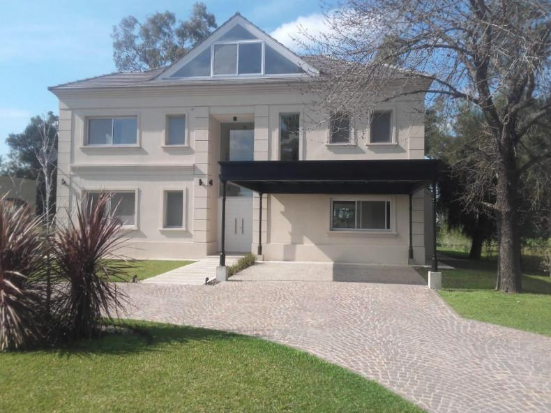 Foto Casa en Venta | Alquiler en  Canning,  Esteban Echeverria  Saint Thomas Este