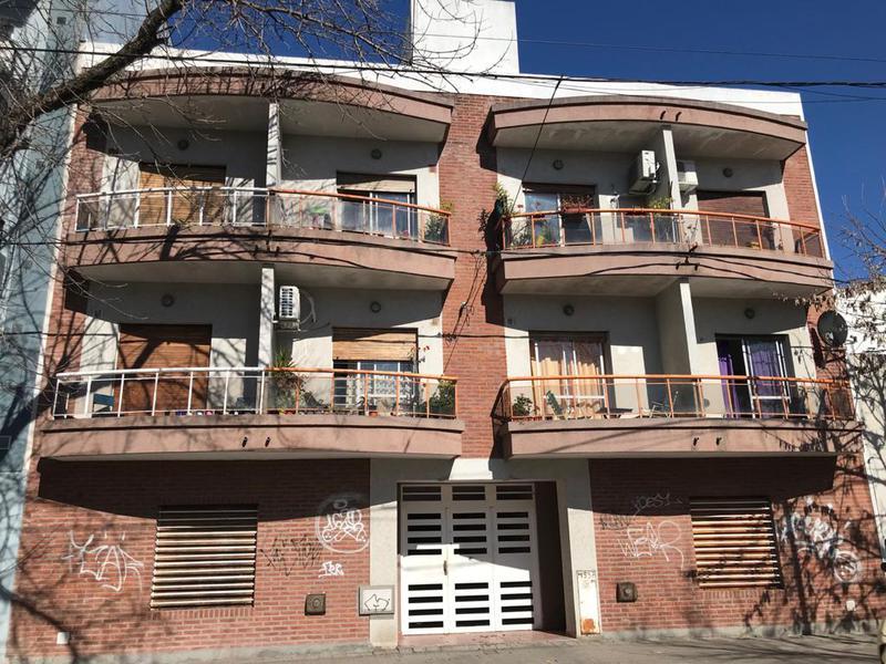 Foto Departamento en Venta en  La Plata ,  G.B.A. Zona Sur  15 entre 64 y 65