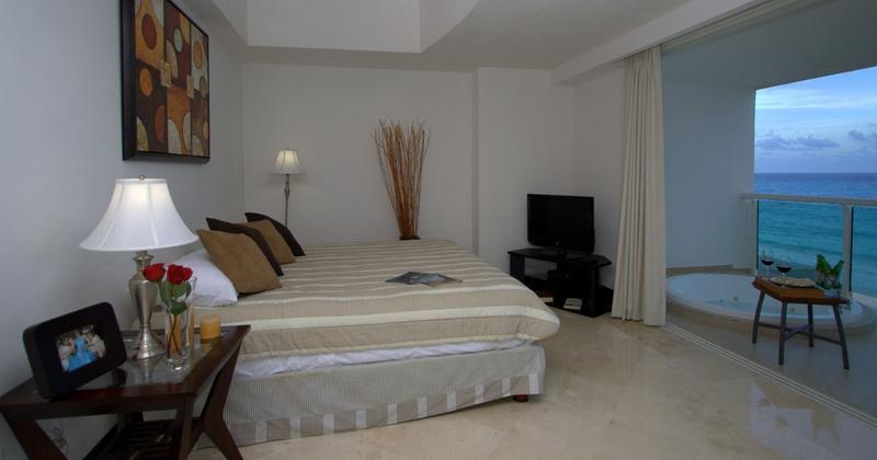 Foto Departamento en Renta en  Zona Hotelera,  Cancún  DEPARTAMENTO RENTA PORTOFINO CANCUN 3 RECAMARAS