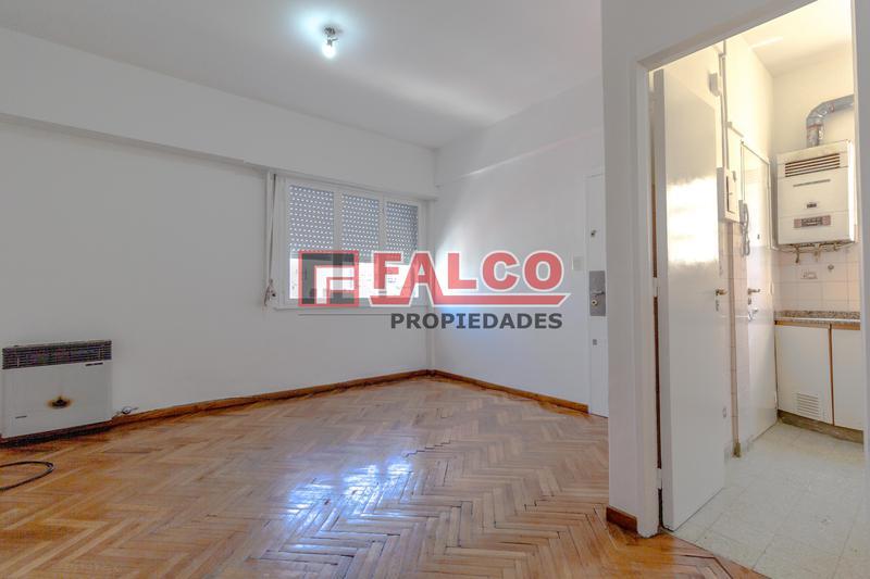 Foto Departamento en Alquiler en  Caballito ,  Capital Federal  Rivadavia al 6100