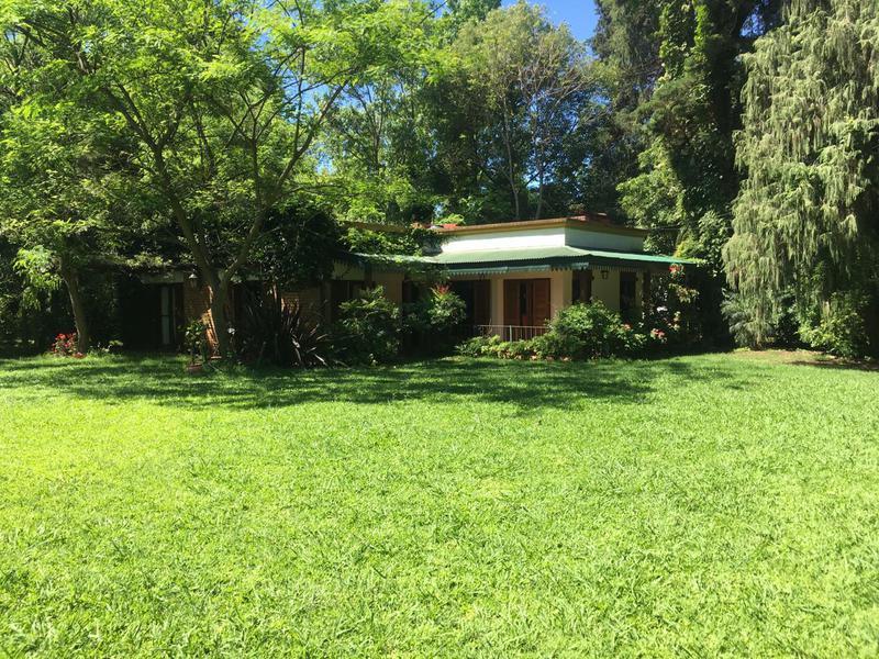 Foto Casa en Alquiler temporario en  Barrio Parque Leloir,  Ituzaingo  Ombú al 2000