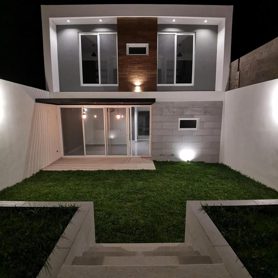 Foto Casa en Venta en  El Sauce,  Distrito Central  Casa en Venta Res. Sauce