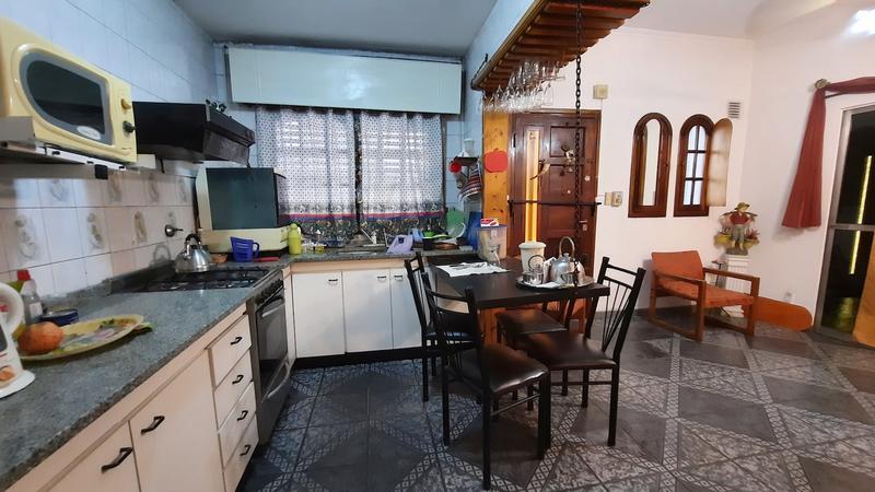 Foto Casa en Venta en  Lanús Oeste,  Lanús  Carlos Gardel 413