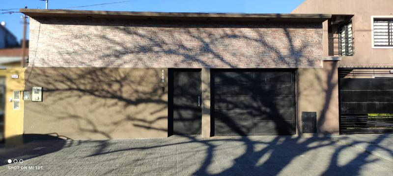 Foto Casa en Venta en  Lomas de Zamora Oeste,  Lomas De Zamora  OLAZABAL al 1168