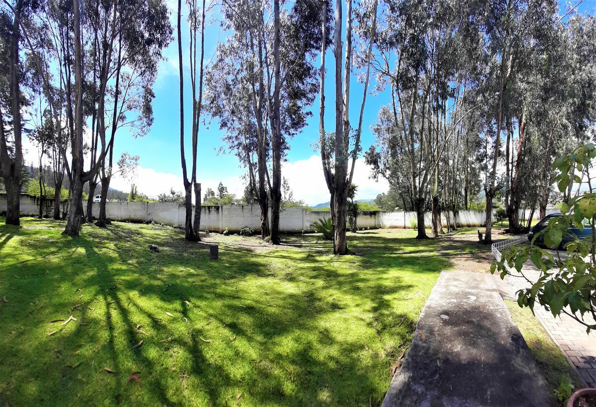 Foto Casa en Venta en  La Armenia,  Quito  CASA DE VENTA  187m2 / $123.000 - SECTOR LA ARMENIA 2 (VALLE DE LOS CHILLOS)