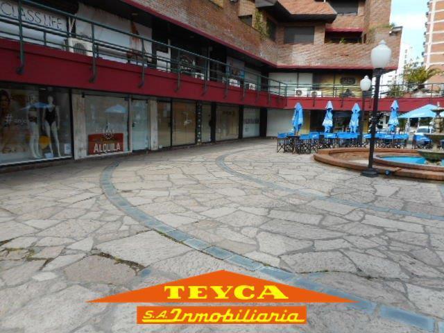 Foto Local en Venta en  Pinamar ,  Costa Atlantica  Av Libertador 60