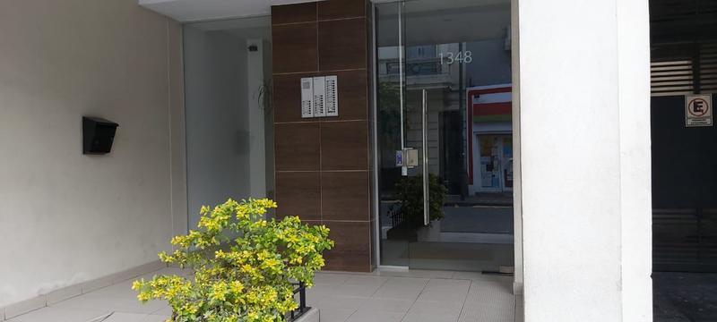 Foto Departamento en Alquiler en  Monserrat,  Centro (Capital Federal)  Chile al 1300