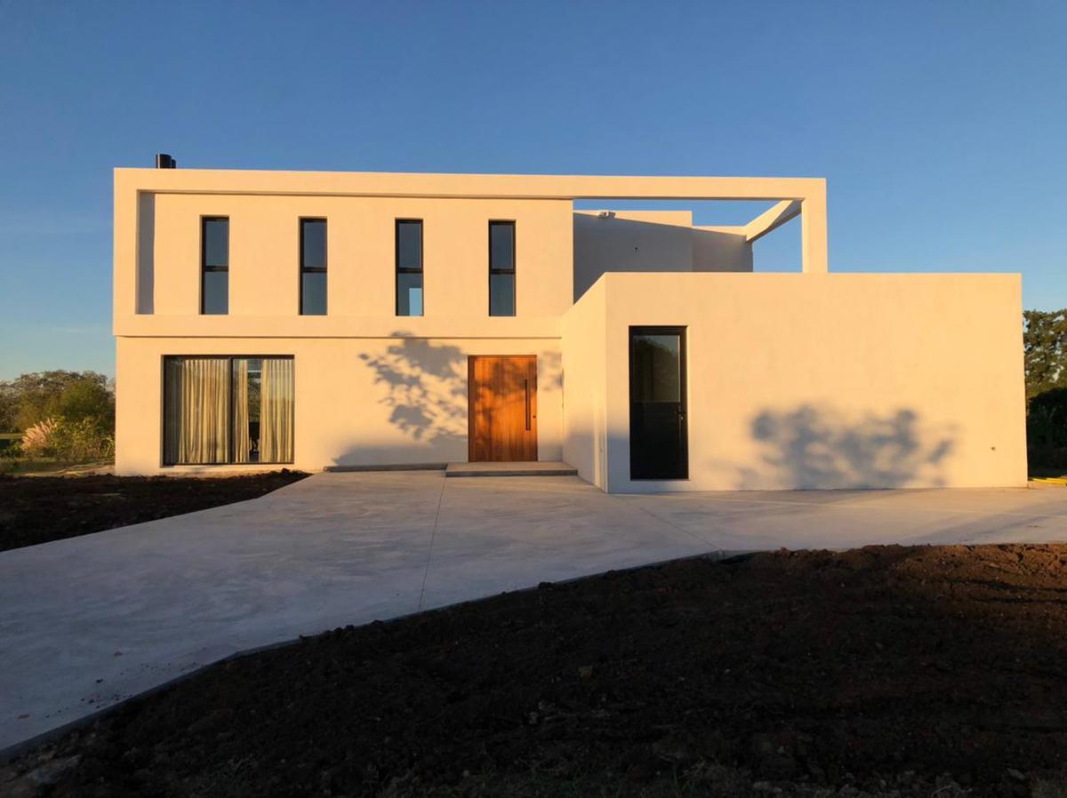 Foto Casa en Venta en  Pilar,  Pilar  PILARA