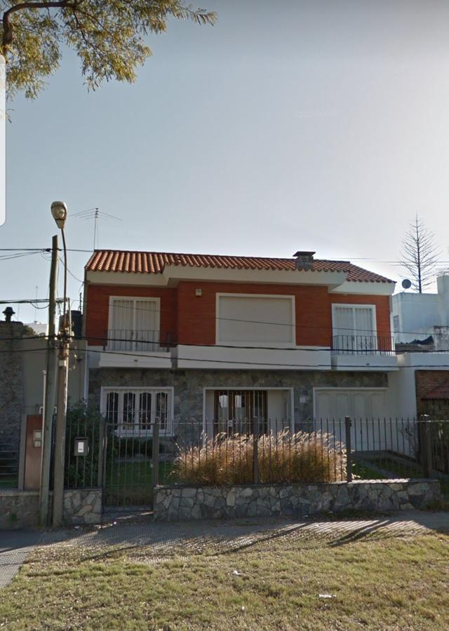 Foto Casa en Alquiler en  Malvín ,  Montevideo  Malvín