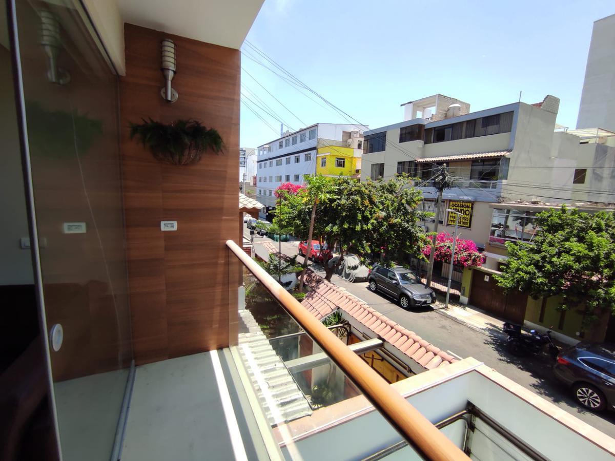 Foto Departamento en Alquiler en  Miraflores,  Lima  Calle Toribio Pacheco