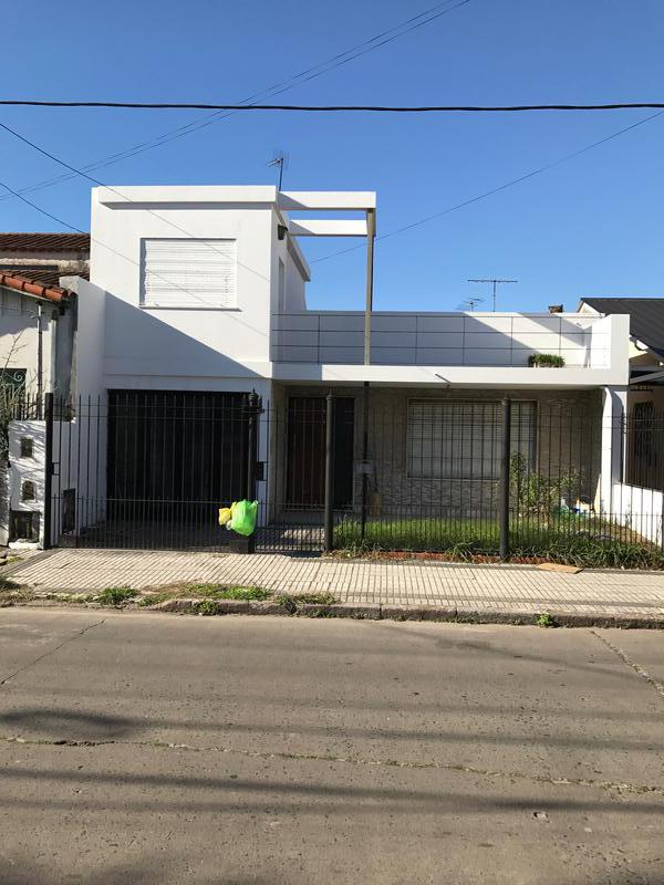 Foto Casa en Venta en  Temperley Oeste,  Temperley  San Pedro 588