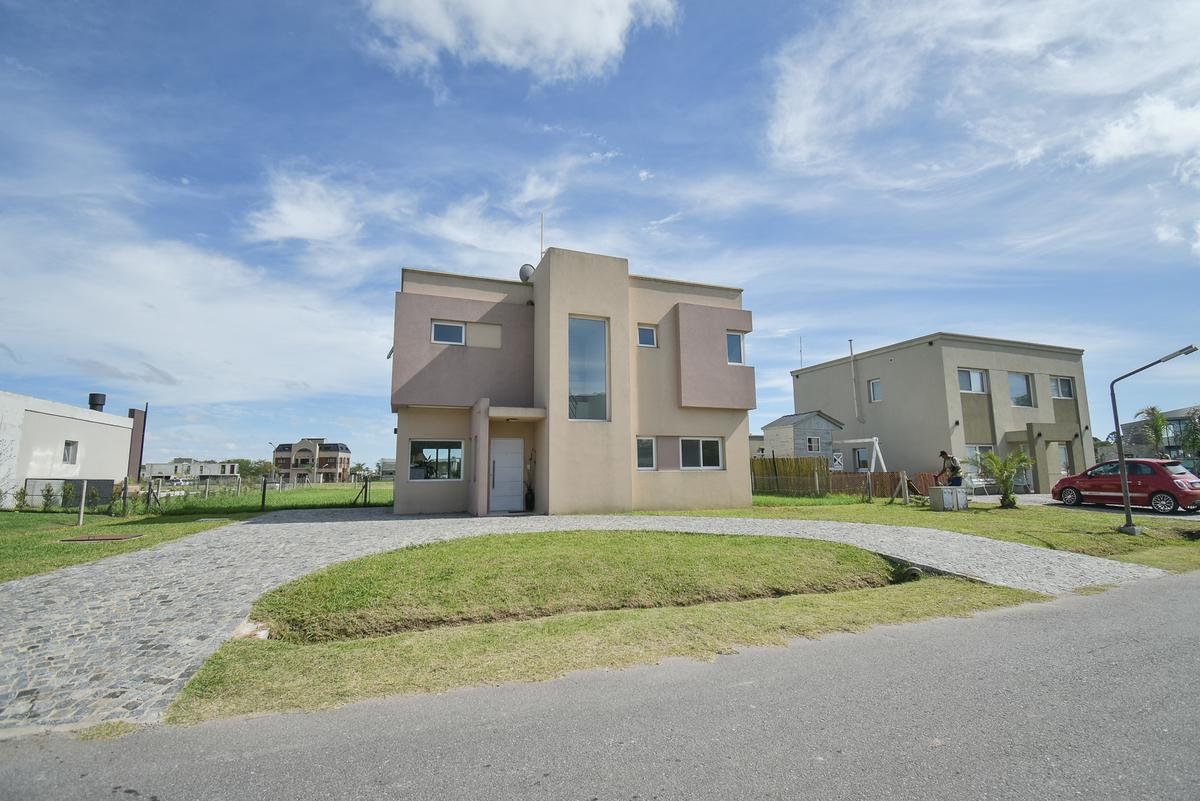 Foto Casa en Venta en  Greenville Polo & Resort,  Guillermo E Hudson  Greenville