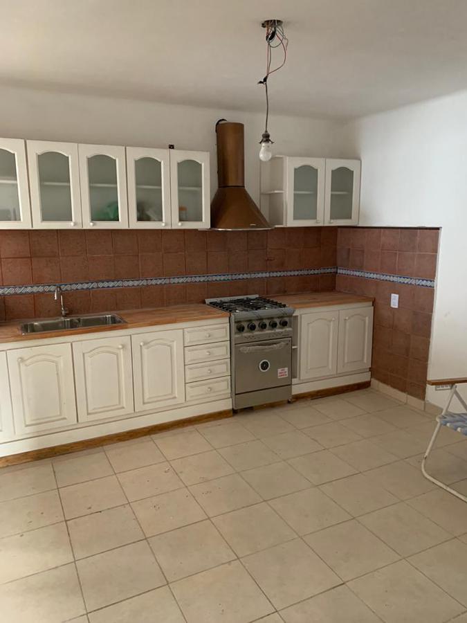 Foto Casa en Venta en  Turdera,  Lomas De Zamora  Antartida Argentina 466