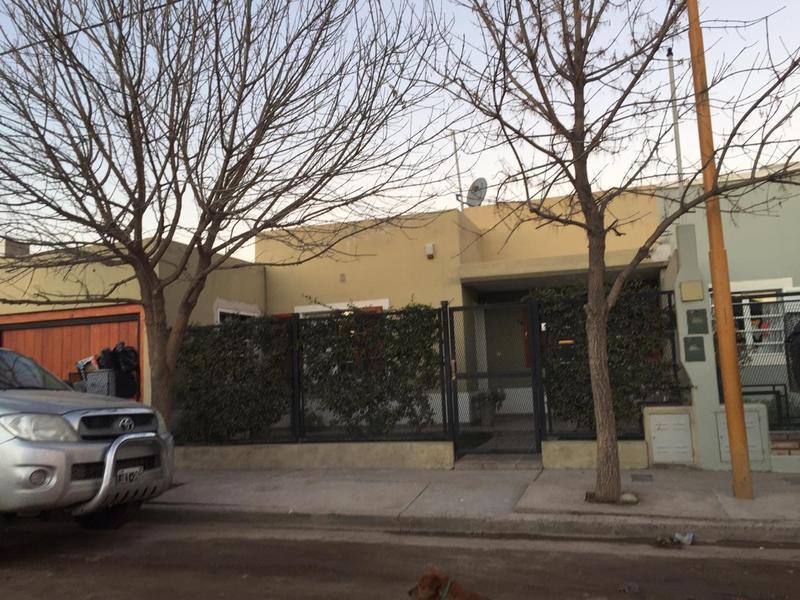 Foto Casa en Venta |  en  Villa Regina,  General Roca  CASA 3- DORMITORIOS-B° al 200