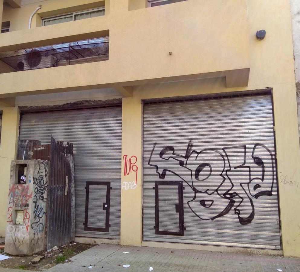 Foto Local en Alquiler en  La Plata ,  G.B.A. Zona Sur  8 e/ 61 y 62