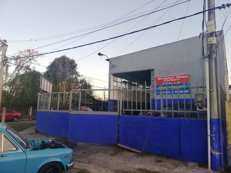 Foto Local en Alquiler en  Sayago ,  Montevideo  Dumas Rodríguez  y Volta