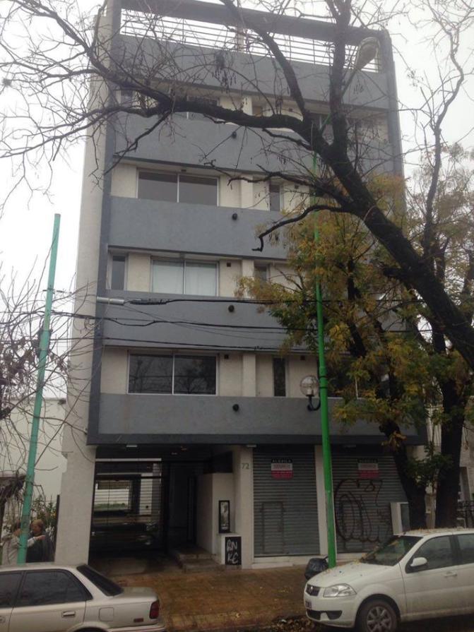 Foto Departamento en Alquiler en  La Plata,  La Plata  66 e/ 118 y 119