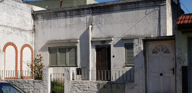 Foto Casa en Alquiler en  Lomas Del Mirador,  La Matanza  Casa con 2 P.H. en block, de 3 ambientes cada uno, entrada independiente, en Lomas del Mirador,Acevedo al 3400