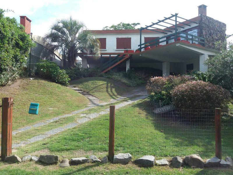 Foto Casa en Venta en  Punta del Este ,  Maldonado  Espectacular casa de 3 dormitorios en la parada 23 de la Playa Mansa!