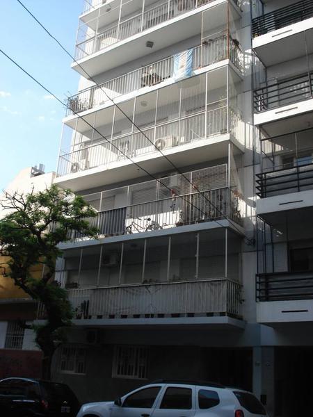Foto Departamento en Alquiler en  Almagro ,  Capital Federal  Pje Rauch al 3900