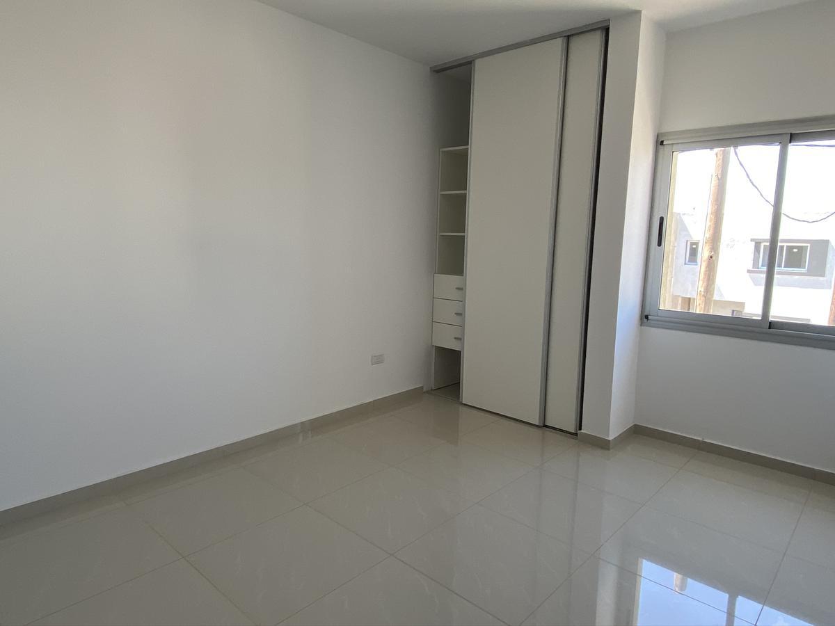 Foto Casa en Venta en  Miradores de Manantiales,  Cordoba Capital  DUPLEX DE CATEGORIA MIRADORES DE MANANTIALES II - ZONA SUR - 3 dorm 3 baños