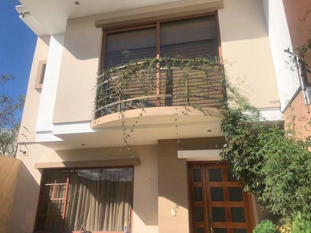 Foto Casa en Venta en  Yanuncay,  Cuenca  Calle los Juglares