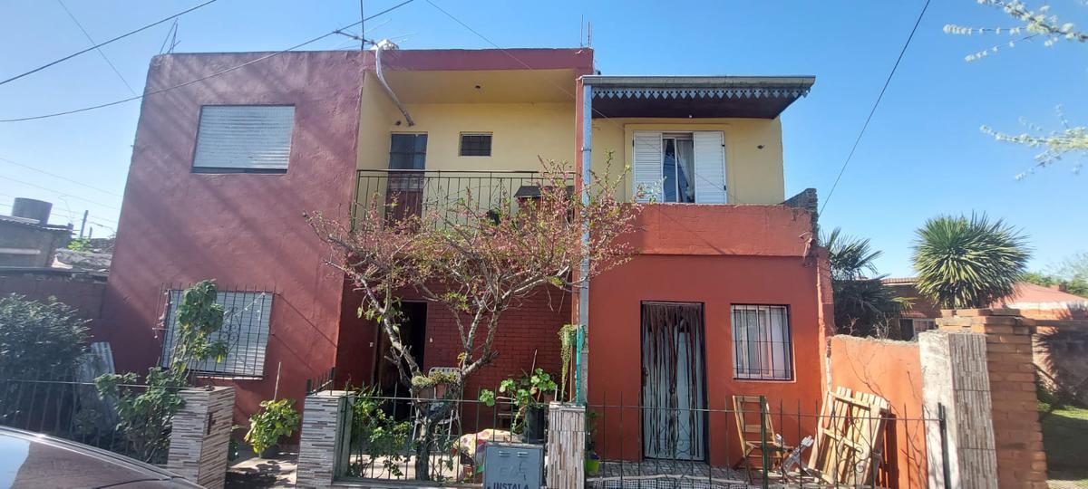 Foto Casa en Venta en  B.Rivadavia,  Pontevedra  Sweitzer al 2700