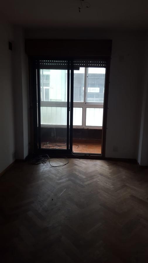 Foto Departamento en Alquiler en  Centro,  Rosario  Moreno 881 02-01 - 1 Dormitorio - Paseo del Siglo - Facultad Derecho -