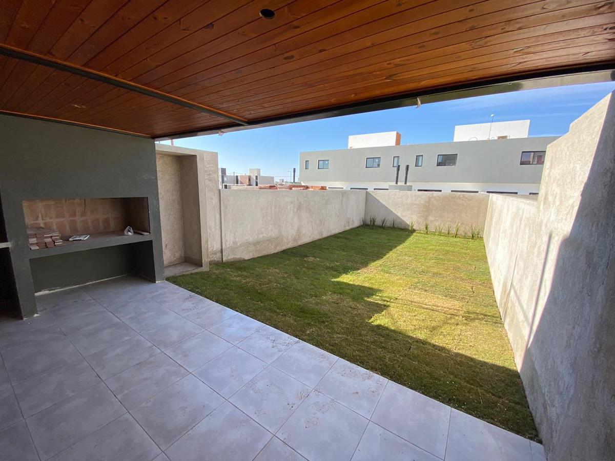 Foto Casa en Venta en  Docta,  Cordoba Capital  Docta Boulevard * Dúplex 2 dorm * Terraza * Gran Patio