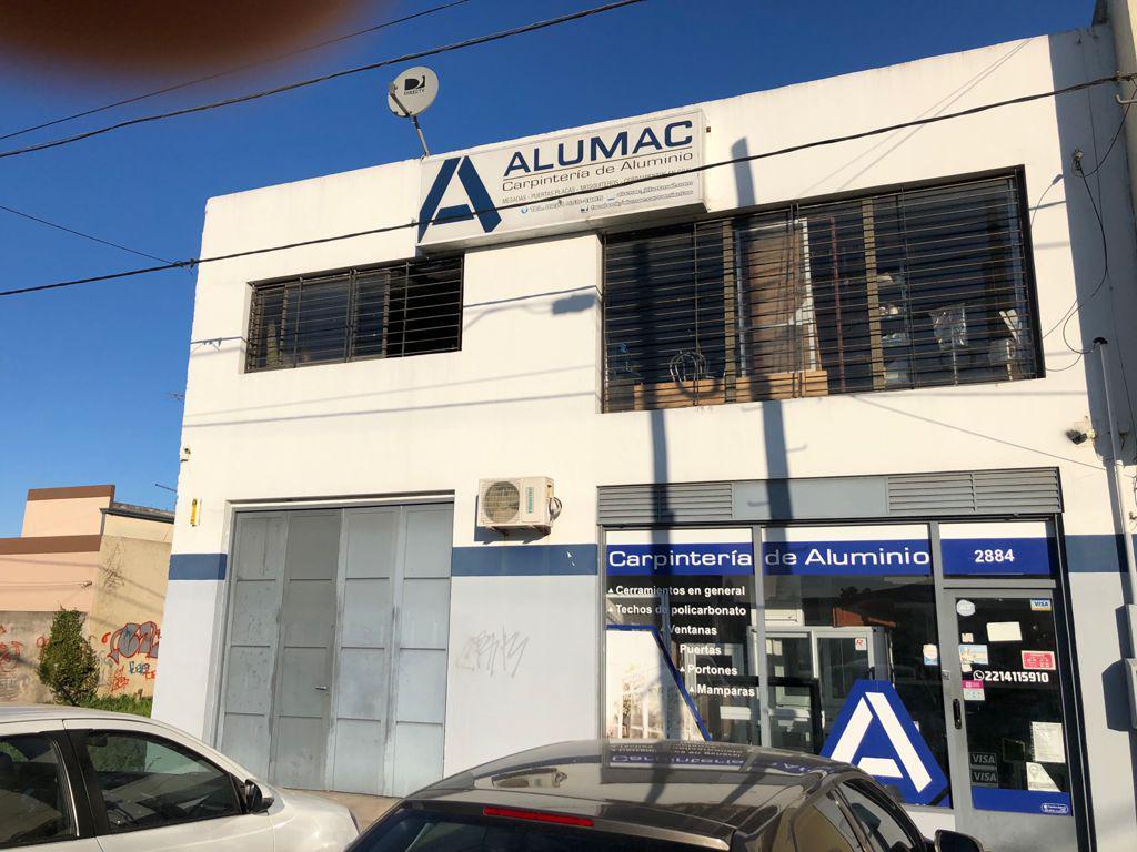Foto Local en Venta en  Los Hornos,  La Plata  60 entre al 100