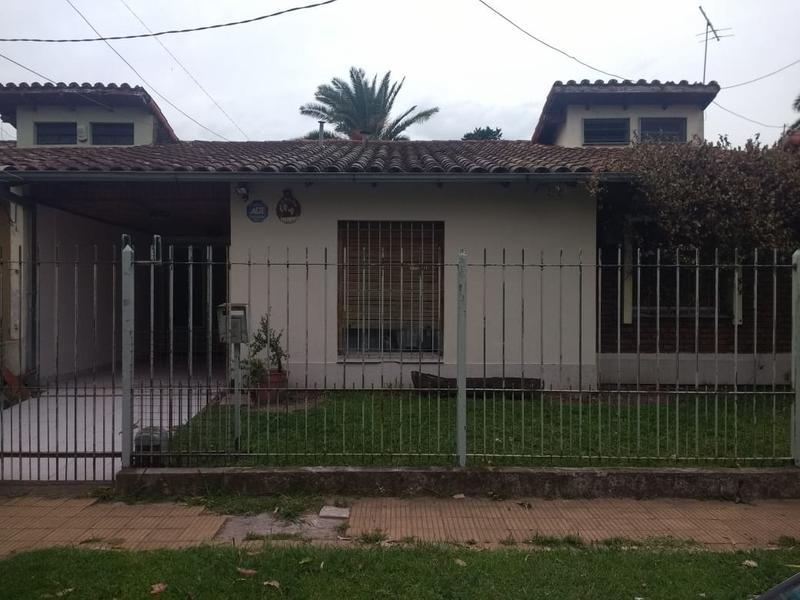 Foto Casa en Venta en  Ituzaingó Norte,  Ituzaingó  Carlos Albarracin al 2800