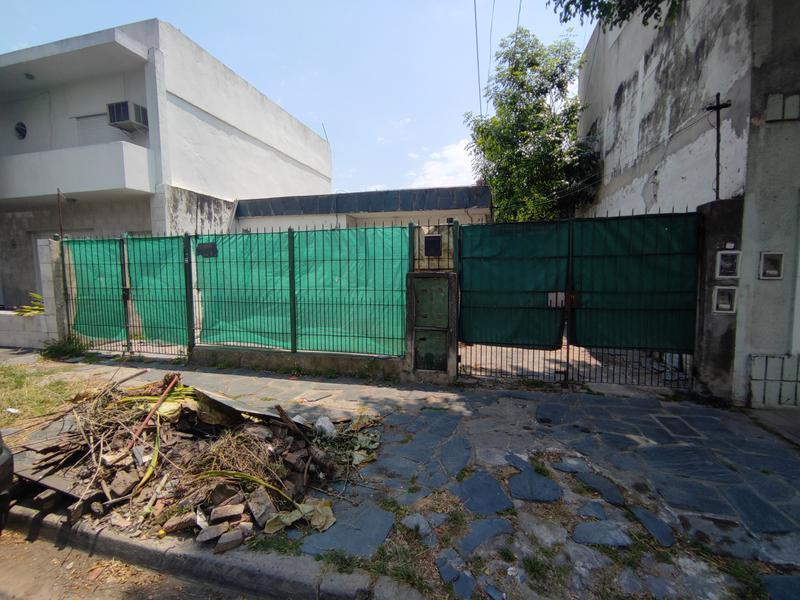 Foto Casa en Venta en  Moron Sur,  Moron  Ozanam al 300