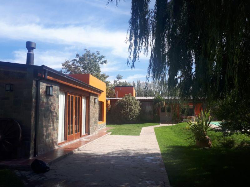 Foto Casa en Venta en  Plottier,  Confluencia  Rio Colorado 100