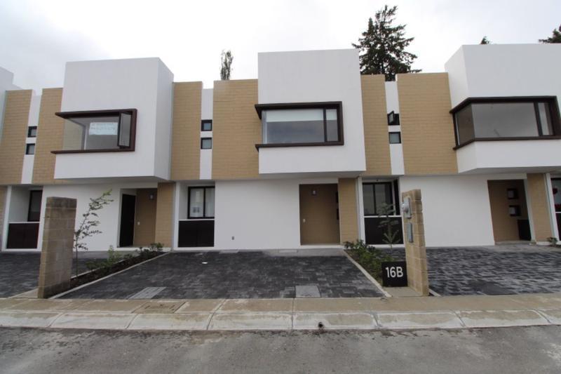Foto Casa en Renta en  Ocoyoacac ,  Edo. de México  Vista Bosques, Lerma Casa en Renta para estrenar