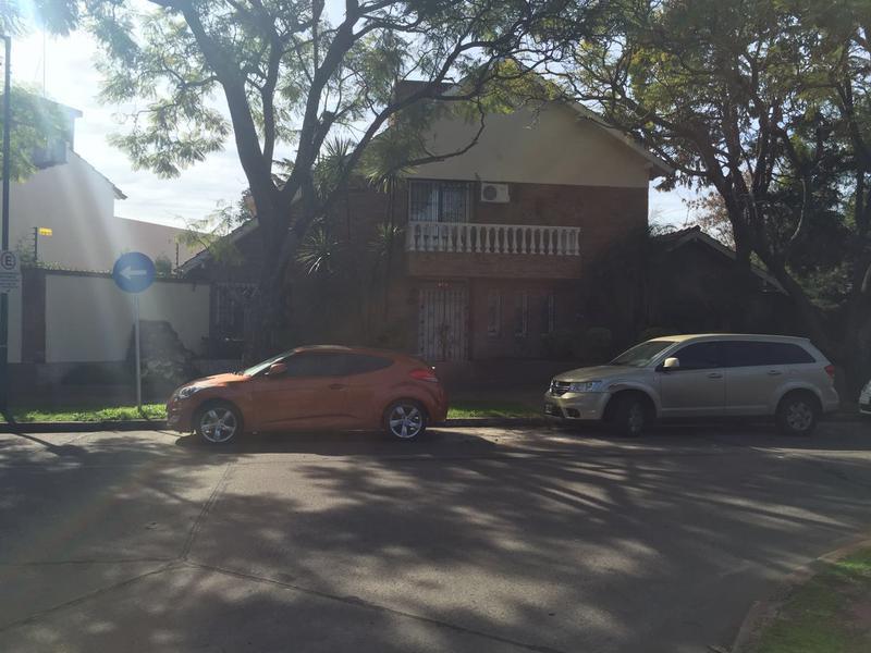 Foto Casa en Venta en  San Isidro ,  G.B.A. Zona Norte  General Paz al 100