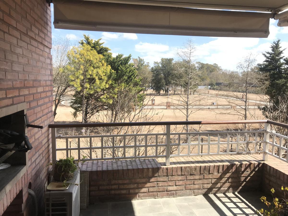 Foto Departamento en Venta en  Jardines De San Isidro,  Countries/B.Cerrado (San Isidro)  Barrio Cerrado Jardines de San Isidro Clemente Onelli  al 1000